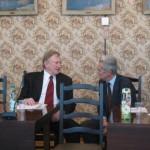 phoca_thumb_l_Trwaja rozmowy filozofow (od lewej-prof.B. Andrzejejewski i prof.A. Wegrzecki)